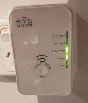 Plug in Wi Fi Repeater Booster