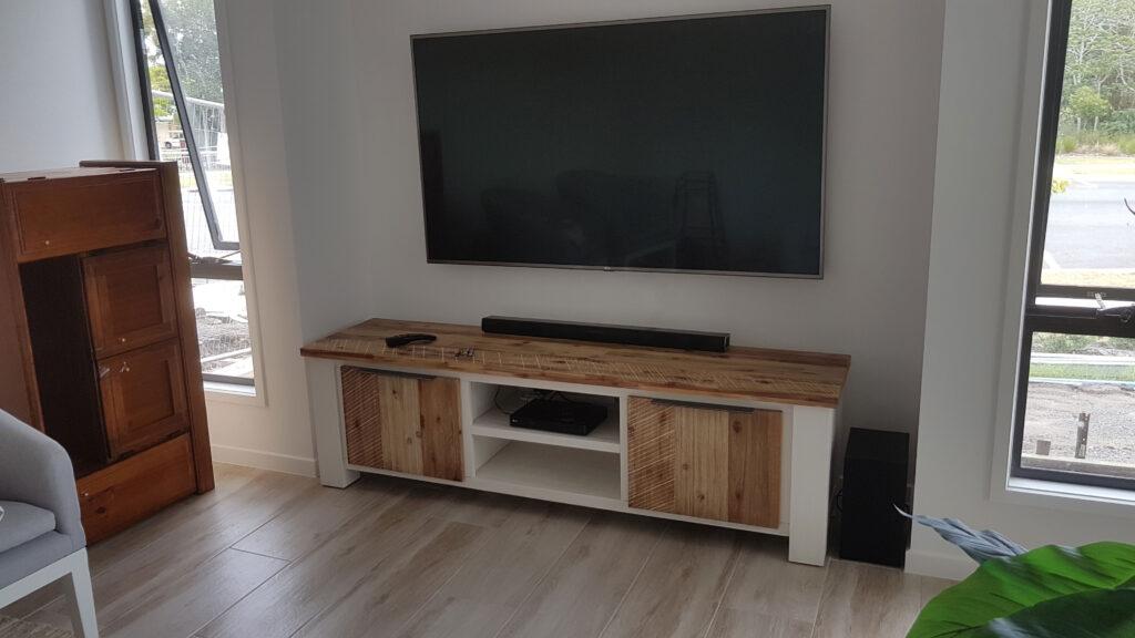 wall-mount-tv-caloundra
